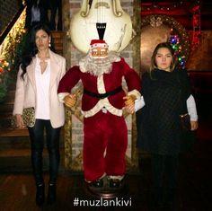 muzlankivi love the santa. santa adore the muzlankivi.
