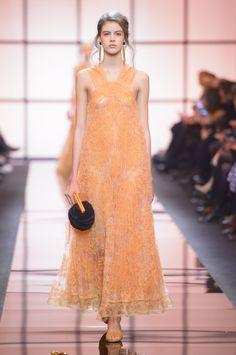 Défilé Giorgio Armani Privé Printemps-été 2017 Haute couture | Le Figaro Madame