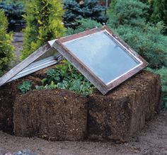 straw/hay bales, window on top. Garden Pool, Garden Art, Garden Landscaping, Garden Club, Hay Bale Gardening, Gardening Tips, Hay Bales, Straw Bales, Chia Pet