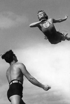 """Résultat de recherche d'images pour """"vintage jump danse"""""""