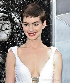 Love your cute, short hair, Anne!
