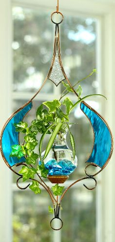 For years, Vermont Nature Creations have been designing and handcrafting beautiful hanging water gardens. Browse our selection and order today!