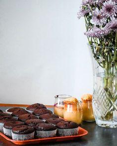 Dhumeur pâtissière  Avec mon assistante on a fait les gâteaux pour les goûters des jours (semaines ?) à venir. Les 3/4 iront au congélateur et seront sortis selon les besoins. Et ce week-end on sattaque aux biscuits à congeler. Vu que la semaine de la rentrée va être très chargée de notre côté janticipe au maximum tout ce que je peux notamment les goûters et les petit-dej. Et vous ? Team fait-maison ? - - - #wadjicookingmama #foodblogger #thebakefeed #f52grams #bakersofinstagram #foodstagram
