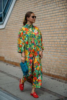 The Best Street-Style Photos From Copenhagen's Spring 2020 Fashion Shows: Style du Monde's Acielle is photographing the most stylish Danes and out-of-towners at Copenhagen Fashion Week. See our latest street-style coverage here. Look Street Style, Street Style Trends, Spring Street Style, New York Fashion, Star Fashion, Fashion Photo, Fashion Outfits, London Fashion, Copenhagen Street Style