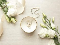 Ceramic jewellery dish with golden rim