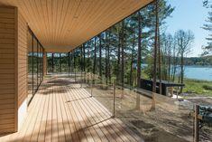 Galleria_etusivun_stack — Plushuvilat Cabins In The Woods, Helsinki, Terrace, Beach House, Villa, Cottage, Architecture, Building, Outdoor Decor