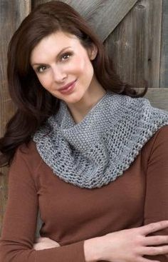 Free Knitting Pattern - Cowls and Neck Warmers: Charming Cowl