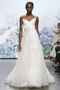 Wedding Gowns - Photo Gallery - eleGALA.com