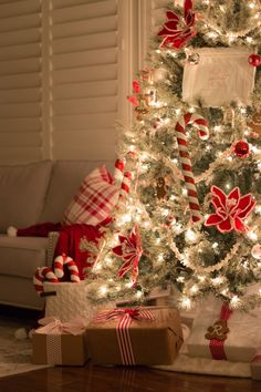 home-sweet-home-christmas-tree-17