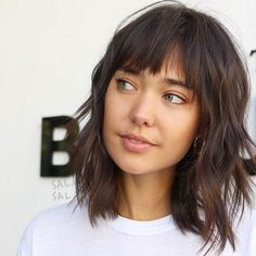 Most Pretty Short Wavy Hair with Bangs Ideas - The UnderCut Short-Layered-Shag-Haircut-wit. Haircuts For Fine Hair, Haircuts With Bangs, Straight Hairstyles, Medium Shag Haircuts, Layered Haircuts, Shaggy Bob Hairstyles, Shaggy Hairstyles, Fall Hairstyles, Blonde Hairstyles