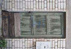 High resolution texture - old wooden door green.  Download free photos (6092 x 4227 px). Текстуры высокого разрешения - Деревянные Двери - Текстура старая деревянная дверь зеленого цвета