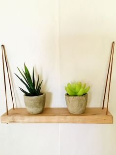 #SilverHomeAccessories Reclaimed Wood Projects, Reclaimed Wood Furniture, Reclaimed Barn Wood, Diy Wood Projects, Wooden Decor, Wooden Diy, Handmade Wooden, Plant Shelves, Hanging Shelves