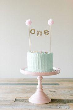 Cute first birthday cake cake decorating recipes kuchen kindergeburtstag cakes ideas Baby Birthday Cakes, First Birthday Parties, First Birthdays, 1st Birthday Cake Topper, 1st Birthday Cake For Girls, Birthday Kids, Baby Cakes, Baby First Cake, Cake For Baby Girl