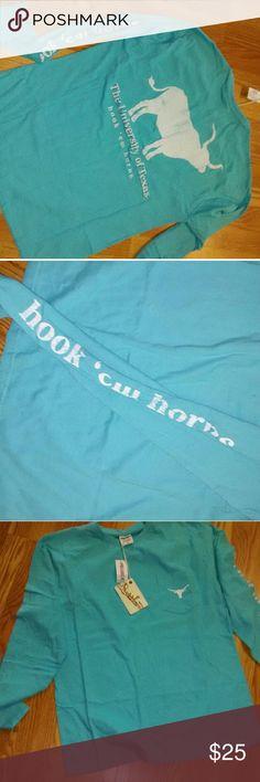 Texas Longhorns Long Sleeve Tee Pocket on front Medium Hook em Horns lettering down sleeve Tops Tees - Short Sleeve