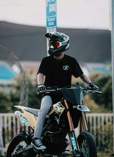Motocross Love, Motorcross Bike, Motocross Gear, Enduro Motorcycle, Cafe Racer Motorcycle, Motorcycle Outfit, Motocross Photography, Bike Photography, Los Muertos Tattoo