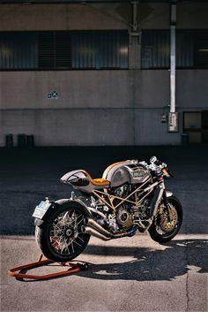 Ducati Cafe Racer, Cafe Racer Helmet, Cafe Racer Motorcycle, European Motorcycles, Custom Motorcycles, Custom Bikes, Ducati S4r, Ducati Sport Classic, Ducati Motor