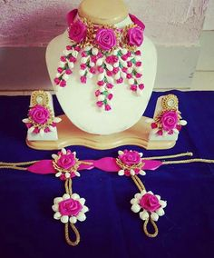 Fulfill a Wedding Tradition with Estate Bridal Jewelry Flower Jewellery For Haldi, Indian Wedding Jewelry, Indian Jewelry, Bridal Jewelry, Flower Jewelry, Fancy Jewellery, Bridal Bangles, Thread Jewellery, Hand Jewelry