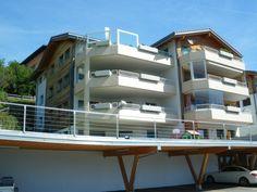 Très bel et luxueux logement de 4.5 pièces 12003544 Multi Story Building, Mansions, House Styles, Home Decor, Apartments, Real Estate, Luxury Houses, Interior Design, Home Interior Design
