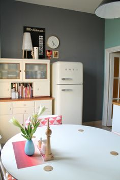 Küchen -Frühlings- makeover        SMEG refrigerator. Wish they came larger!