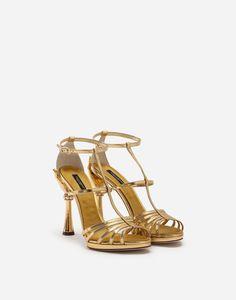 Dolce   Gabbana Fall Winter 2018-2019. Le scarpe Dolce Gabbana sono  realizzate con 3091740e95f