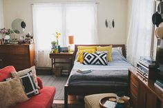 Vintage boho studio apartment Follow Gravity Home: Blog - Instagram - Pinterest - Facebook - Shop