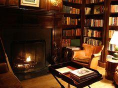 Mayflower Inn library