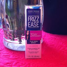 John Frieda Frizz Ease 3 Day Straight-Flat Iron Spray  @John Searles Frieda US  #3DayStraightLove