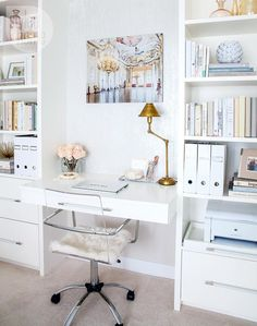 You won't mind getting work done with a home office like one of these. See these 20 inspiring photos for the best decorating and office design ideas for your home office, office furniture, home office ideas Decor, Furniture, Built In Desk, Home Office Decor, Eclectic Design, Interior, Home Decor, Room Inspiration, House Interior