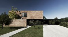 MYP House / Estudio BaBO