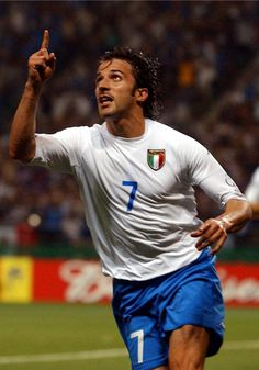 Alessandro Del Piero via Mexico fifa world cup 2002 World Rugby, Soccer World, World Football, Football Icon, Best Football Players, Soccer Players, Juventus Players, Juventus Fc, Sports Basketball