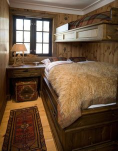 Log Home Decor - Appealing yet creative log decor information. For more examples push the website 4187016518 today. Logan House, Log Decor, Aspen House, Log Home Decorating, Decorating Bedrooms, Log Home Interiors, Rustic Home Design, Lodge Style, Shabby Chic Bedrooms