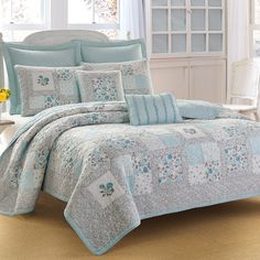Laura Ashley Everly Quilt