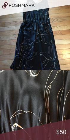 Silk Dress Silk Banana Republic dress. Hits just below the knee Banana Republic Dresses Midi