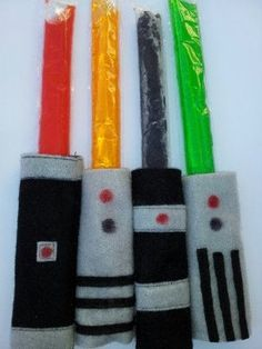 Light Saber ice pop holder. I HAVE to make this