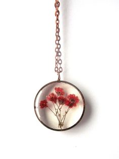Red Baby's Breath Resin Pendant Necklace - Real flowers in open back copper pipe bezel, Pressed Flower Jewelry - Resin Jewelry - Schmuck Cute Jewelry, Jewelry Accessories, Jewelry Necklaces, Diy Schmuck, Schmuck Design, Resin Jewelry, Handmade Jewelry, Pendant Jewelry, Flower Necklace