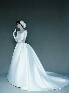 bonheur sposa :: J.H 045 Wedding Style Année 80, Queen Dress, Holi, Marie, Wedding Gowns, Cocktail, Disney Princess, Inspiration, Collection
