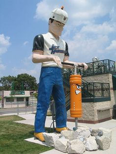 Jackhammer Muffler Man, Joliet, IL