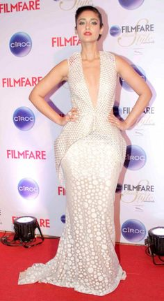 Indian Girls Villa: Ileana D'Cruz Stills At Ciroc Filmfare Glamour And Style Awards 2015 Indian Bollywood Actress, Bollywood Actress Hot Photos, Beautiful Bollywood Actress, Indian Actresses, Ileana D'cruz Hot, Black High Low Dress, Bollywood Hairstyles, Western Wear For Women, Casual Tops For Women