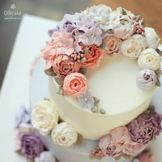 最近のインスタグラムには、本物の花?と思わず見紛う美しさのフラワーケーキがいっぱい! プロのパティシエが作り出す、エレガントで芸術的なケーキは、美味しいもの、ロマンチックなものの大好きな大人女子なら絶対フォローしたくなるはず! フラワーケーキパティシエたちのインスタグラムをご紹介します!