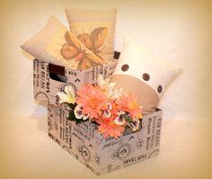 Cajas forradas desde 5 euros  Cojines desde 6 euros  Ramo flores 3 euros