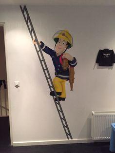 Muurschildering van brandweerman Sam gemaakt door StijlvolleMuur.