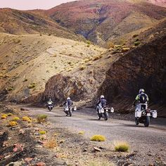 Lining up #wheelsofmorocco #moroccomotorcycletours #MakeLifeARide #bmwgs1200 #bmwbikes #mototravel #advaddicts #advlife #nodirtnoglory #spiritofgs #adventurebikes #motorcycletravel #motorcycletouring #bmwgs #ridewithus #2wheeladventure #morocco  #mototravel_lovers