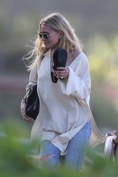Olsens Anonymous Blog Ashley Olsen Twins Style St Barths Beachy Chic Wavy Hair Aviators Neutral Tunic Caftan Strapless Top The Row Croc Bag Distressed Ripped Jeans