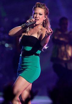 Hilary Duff Photos - Celebrities attend Los Premios MTV Latin America 2007 at El Palacio de Los Deportes. - Los Premios MTV Latin America 2007