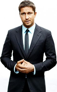 Gerard Butler in a Suit - Everybody's Crazy Bout a Sharp Dressed Man! - Hot Guys: This man is the epitome of good looking. And to top it off with a fine looking Gerard Butler, Mode Masculine, Cristian Gray, Look At You, How To Look Better, Gorgeous Men, Beautiful People, Beautiful Beautiful, Hot Guys