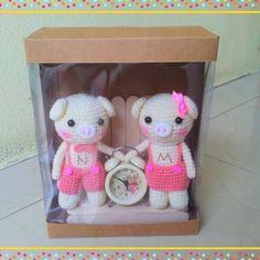 piglove.. #amigurumidoll #amigurumi  #amigurumigrams #amigurumigrams #amigurumilove#crochetlife #crochet#crochetofinstargram  #crochet#crochetgram #crochetgrams #crochetlover #crochetlove #crochetdoll #knittingdoll #knittinglove #knittinglove #knitting#knit#knits#knittinggrams #knittinggram  #yarn#bunny#bunnygrams #bunnygram #bunnylove#weddinggift#rabbit#clock #valentine #valentineday#valentinegift by pimjungnae