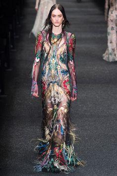 Alexander McQueen Fall 2017 Ready-To-Wear: Look 39. Model: Sarah Brannon