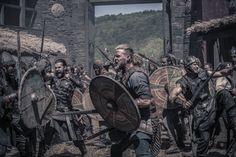 The Last Kingdom - Ragnar the Younger Tobias Santelmann, The Last Kingdom Series, Viking Men, Star Wars, Medieval Clothing, Ragnar, Period Dramas, Movies To Watch, Vikings
