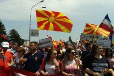 Σκόπια: Οι πολίτες ζητούν την παραίτηση της κυβέρνησης Γκρούεφσκι