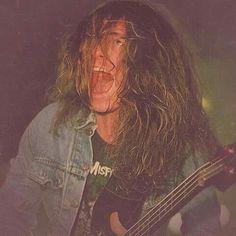Cliff Burton 85 Metallica, David Ellefson, Cliff Burton, Dimebag Darrell, Heavy Metal Rock, Fallen Heroes, Thrash Metal, Music Photo, Old Movies